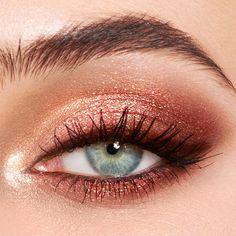 Pillow Talk - Luxury Palette Of Pops - Pink Glitter Eyeshadow - Makeup inspo - Make-up World Rose Gold Eyeshadow Look, Sparkly Eye Makeup, Makeup Eye Looks, Eye Makeup Art, Makeup For Brown Eyes, Cute Makeup, Skin Makeup, Makeup Inspo, Makeup Eyeshadow