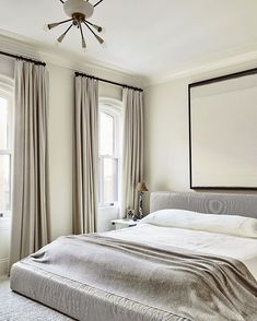 Nate Berkus and Jeremiah Brent Transform an NYC Town House. In the master bedroom, the RH bed is covered in a linen by Rose Tarlow Melrose House. Architectural Digest, New York Homes, New Homes, Nate And Jeremiah, Mug Design, Inspiration Design, Bedroom Styles, Living Room Sofa, Living Rooms