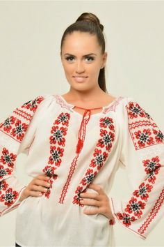 Ie: traditional Romanian blouse for women. Peasant Blouse, Tunic Blouse, Tunic Tops, Linen Fabric, Sewing Hacks, Blouses For Women, Knit Crochet, Floral Tops, Fashion Accessories