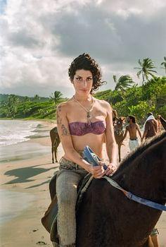 Amy Winehouse on Plantation Beach, Saint Lucia 2009 Blake Wood photo Corinne Bailey Rae, Norah Jones, Nina Simone, Lauryn Hill, Lily Allen, Amy Jade Winehouse, Amy Winehouse Style, Amazing Amy, Intimate Photos