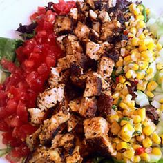 Super Salad with Grilled Chicken @keyingredient #chicken #vegetables