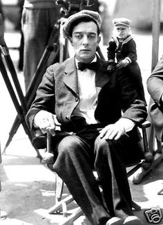 BUSTER KEATON CANDID PHOTO / THE CAMERAMAN - Hollywood Silent Movie Star Actor