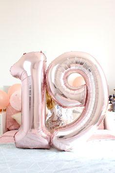 19 Candles to Blow Out – BethEmilyDann - Geburtstag Happy Birthday 19, 19th Birthday Cakes, Birthday Goals, Birthday Numbers, Birthday Photos, Tumblr Birthday, Rose Gold Number Balloons, Happy Birthday Wallpaper, 1st Birthdays