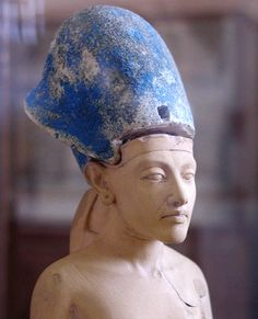 Small statue of Pharaoh Akhenaten wearing the Egyptian Blue Crown of War. Akhenaten was Pharaoh of the Eighteenth dynasty of Egypt who ruled for 17 years and died perhaps in 1336 BC or 1334 BC. Egyptian Pharaohs, Ancient Egyptian Art, Ancient History, Art History, Cairo Museum, Arte Tribal, Art Antique, Egypt Art, Art Sculpture