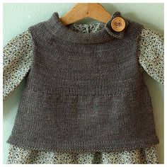 Posie Gets Cozy: Neighborly Neighborly Vest by Jennifer Casa (free Ravelry pattern, fits child years), jchandmade. Diy Tricot Crochet, Knit Or Crochet, Crochet Baby, Knitted Baby, Knitting For Kids, Baby Knitting Patterns, Hand Knitting, Look Fashion, Kids Fashion