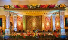 wedding decorators indian Reception Stage Decor, Wedding Backdrop Design, Desi Wedding Decor, Wedding Hall Decorations, Wedding Stage Design, Wedding Reception Backdrop, Wedding Mandap, Wedding Ideas, Marriage Hall Decoration