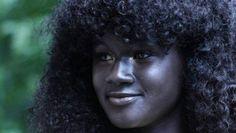 La modelo senegalesa Khoudia Diop triunfa en las redes sociales tras su participación en una campaña contra el racismo  http://www.abc.es/sociedad/abci-modelo-senegalesa-conquista-internet-debido-piel-increiblemente-negra-201610041936_noticia.html?ns_campaign=gs_ms&ns_mchannel=abc_es&ns_source=fb&ns_linkname=cm_general&ns_fee=0