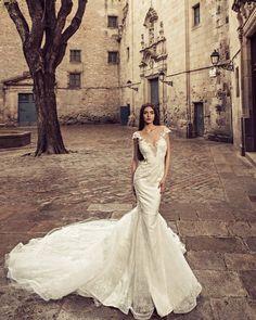 Julia Kontogruni  new collection ���� #juliakontogruni in #gothicquarter #BARCELONA #spain���� @cbprivatemilano #weddingdress #weddinggown #wedding #weddings #couturefashion #coutureshow #barcelona #couturedress #gown  #barcelonabridalweek #barcelonabridalfair #bridal #bridaldresses #bridaldress #weddingseason #weddingshow#juliakontogrunidress #backstage #photoshoot@nicollovaa http://gelinshop.com/ipost/1523264090881367099/?code=BUjuJ68F5w7