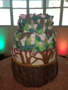 Coolest Tree Cake... This website is the Pinterest of birthday cake ideas