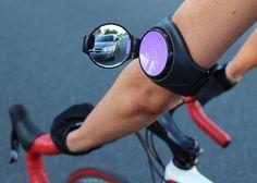 RearViz est un rétroviseur pour vélo de course ou de ville universel se montant sur le bras. Fini de se retourner pour voir le trafic !
