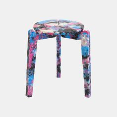 Called Stack and Stack, the project hopes to set an example for how the 129 billion single-use face-masks that the world goes through every month. Stackable Stools, Journal Du Design, Trash Art, Types Of Sofas, Dramatic Lighting, World Crafts, Plastic Art, Swivel Armchair, Ergonomic Chair