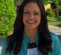 The Bachelorette - Jewelry on Desiree Hartsock - Hometown Dates (On the Mark necklace)
