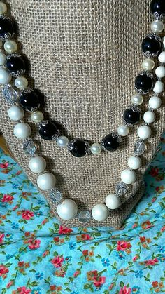 Check out this item in my Etsy shop https://www.etsy.com/listing/484531383/vintage-beaded-necklaces