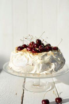 From The Kitchen: Brown Sugar Pavlova Meringue Pavlova, Pavlova Recipe, Cheap Clean Eating, Ice Cream Pies, Cherry Recipes, Almond Cakes, Pumpkin Cheesecake, Savoury Cake, How Sweet Eats