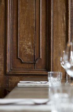 Oude deur hergebruikt bij De Roskam