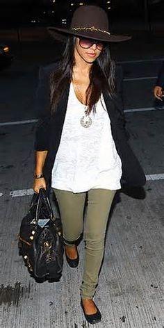 Kourtney Kardashian in olive pants Look Kim Kardashian, Estilo Kardashian, Kardashian Fashion, Fashion Mode, Look Fashion, Fashion Outfits, Womens Fashion, Fashion Ideas, Green Skinny Jeans