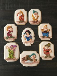 Decorated Snow White and sever dwarfs cookies Cookies For Kids, Cute Cookies, Cupcake Cookies, Disney Princess Cookies, Disney Cookies, Iced Cookies, Holiday Cookies, Sugar Cookies, Cookie Frosting