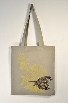 Rosa Chiffon, bags made by two french artists. Natural cotton / Screen printing, non toxic water based.