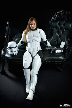 Jes Gistang - Star Wars Cosplay - Star Wars Cosplay news - - Star Wars Mädchen, Star Wars Girls, Star Wars Fan Art, Female Stormtrooper, Stormtroopers, Film Science Fiction, Star Wars Outfits, Star Wars Pictures, Star Wars Costumes