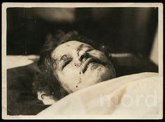 Bonnie And Clyde Death, Bonnie And Clyde Photos, Bonnie Clyde, Bonnie Parker, Post Mortem Photography, Ted Bundy, Old West, True Crime, Present Day
