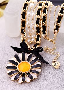 Betsey Johnson** black and white sunflower double layer necklace NEW