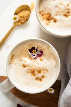 Sweet, creamy, and wholesome. This recipe is vegan, vegetarian, gluten-free, dairy-free, and SO easy to make! Here's how to make the BEST Collagen Coffee for your everyday mornings in 5 minutes or less. Best Brunch Recipes, Gf Recipes, Lemon Recipes, Kitchen Recipes, Other Recipes, Gluten Free Recipes, Great Recipes, Favorite Recipes, Coffee Calories