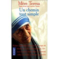 """Prières d'engagement pour """"faire de notre famille un havre de paix"""", rappeler au chrétien que """"le fruit de la Foi est l'amour"""", que le """"fruit de l'amour est le service"""" qu'il nous appartient de """"donner gratuitement ce que nous avons reçu gratuitement"""" : en somme un chemin tout simple.  Mère Teresa est émouvante de simplicité dans la beauté de son action caritative."""