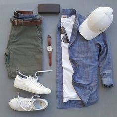Mens Style Discover stylish man Denim Chambray Button Down - With Mens Green Shorts - Outfit Grid Mode Outfits, Short Outfits, Fashion Outfits, Fashion Clothes, Spring Outfits For Men, Fashion Styles, Style Fashion, Fashionable Outfits, Fashion Trends