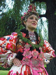 Croatia, Turopolje, turopoljska narodna nošnja, mladenka opremljena za vjenčanje, najvjerojatnije iz sela Blato (danas dio grada Zagreba)