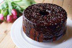 Conoscete la Chiffon Cake? Una torta che è una vera nuvola, di una sofficità e di una morbidezza senza eguali! Questo ciambellone di origine americana, infatti, è davvero leggerissimo nonostante la…
