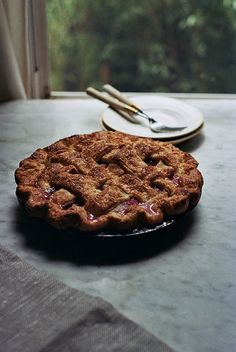 raspberry rhubarb pie (yossy arefi) by yossy arefi, via Flickr.