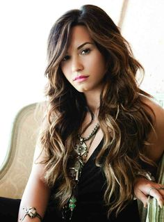 I love this color and style Demi Lovato