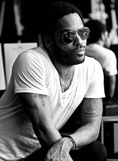 Oh! lenny kravitz - The plain old t-shirt never looked better. Read more: http://www.aboutawomanaboutagirl.com/the-basic-t-shirt/
