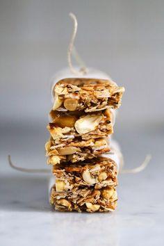Coconut Almond Bars | 23 Delicious DIY Granola Bar Recipes