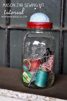Shannanigans: Always Crafty Workshop: Mason Jar Sewing Kit Tutorial Coin Couture, Mason Jar Crafts, Mason Jar Diy, Diy Jars, Sewing Projects, Craft Projects, Sewing Kits, Do It Yourself Furniture, Jar Gifts