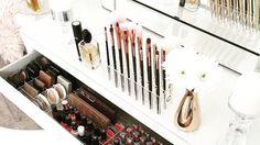 This is what makeup dreams are made of... #fashion #vogue #fashionblog #bffgoals #gorgeous #goal #girl #photooftheday #beauty #nailart #instapic #instalike #instalove #streetstyle #outfit #style #stylish #ootd #adidasoutfits #webstagram #fashionblogger #blogger #hudabeauty #instadaily #popularpic #eyemakeup #makeup #adidas #zara #hairgoals