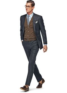 Suitsupply Suits: Soft-shoulders, great construction with a slim fit—our tailored, washed and formal suits are ideal for any situation. Suit Fashion, Mens Fashion, Suit Supply, Casual Wear For Men, Elegant Man, Formal Suits, Blouse And Skirt, Suit And Tie, Gentleman Style