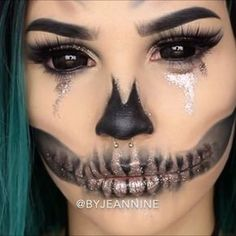 FULL TUTORIAL is now live on my channel! Link in bio! wig: @evahairofficial #skull #makeup #halloween #glitter #wig #blacksclera #jaw