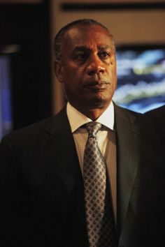 Scandal Scoop: Rowan Pope's Standoff On Scandal's Winter Finale - Scandal TV Show