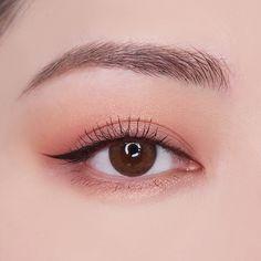 Read more about everyday makeup Korean Makeup Look, Asian Eye Makeup, Makeup Eye Looks, Cute Makeup, Beauty Makeup, Makeup Inspo, Makeup Inspiration, Eyeshadow Makeup, Makeup Cosmetics