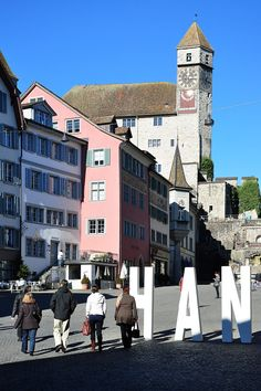 Rapperswil Castle - Zeitturm as seen from the south ( Hauptplatz) Rapperswill, Switzerland 7 Continents, Chateaus, Romantic Places, Zurich, Travel Europe, Palaces, Austria, Big Ben, My Dream
