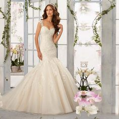 Find More Wedding Dresses Information about Designer Mermaid Wedding Dresses Appliques Lace Bridal Dress Gown Court Train 2016 Low Back Vestido De Noiva De Renda SA100,High Quality dress up chinese girl,China dress update Suppliers, Cheap dress british from XCOS Wedding Dresses Co.,Ltd on Aliexpress.com