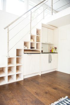 Loft stairs with storage Compact House, Compact Living, Style At Home, Kitchen Under Stairs, Loft Stairs, Prefab Homes, House Floor Plans, Home Renovation, Interior Design Living Room