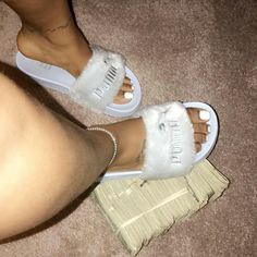What type of slides do you own ? Rihanna, Sneaker Trend, Nike Slides, Flip Flop Slippers, Women Slides, Shoe Boutique, Red Bottoms, Shoe Closet, Shoe Game
