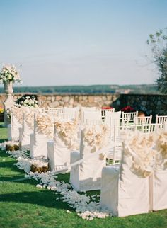 Super chic wedding ceremony aisle <3 themarriedapp.com hearted <3