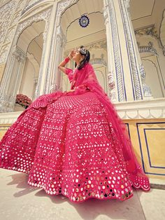 Party Wear Indian Dresses, Indian Gowns Dresses, Indian Bridal Outfits, Indian Bridal Fashion, Dress Indian Style, Indian Fashion Dresses, Indian Designer Outfits, Wedding Dresses For Girls, Party Wear Sarees
