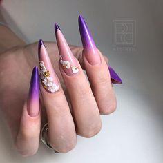 Работа инструктора @madinailschool Ольги Непотачевой @olya_nailart_dzr 👌 Форма #lacoste #madinail #madinailschool #murievamadina Long Nail Designs, Nail Art Designs, Edge Nails, Light Nails, Nail Forms, Hot Nails, Acrylic Nail Art, Nail Bar, Flower Nails