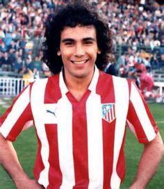 Hugo Sánchez - UNAM, San Diego Sockers, Atlético Madrid, Real Madrid, América, Rayo Vallecano, Atlante, Linz, Dallas Burn, Celaya, Mexico.