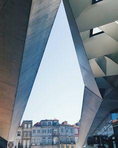 """77 mentions J'aime, 1 commentaires - Rúben Neto (@rubenfmartins) sur Instagram: """"#architecture #oporto #hometown"""""""