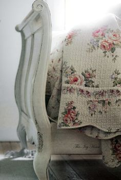 Gorgeous coverlet!  From Inspiration Lane.
